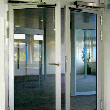 platinum-auto-doors-closing-door-in-home