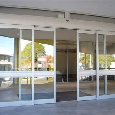 platinum-auto-doors-closing-door-hall